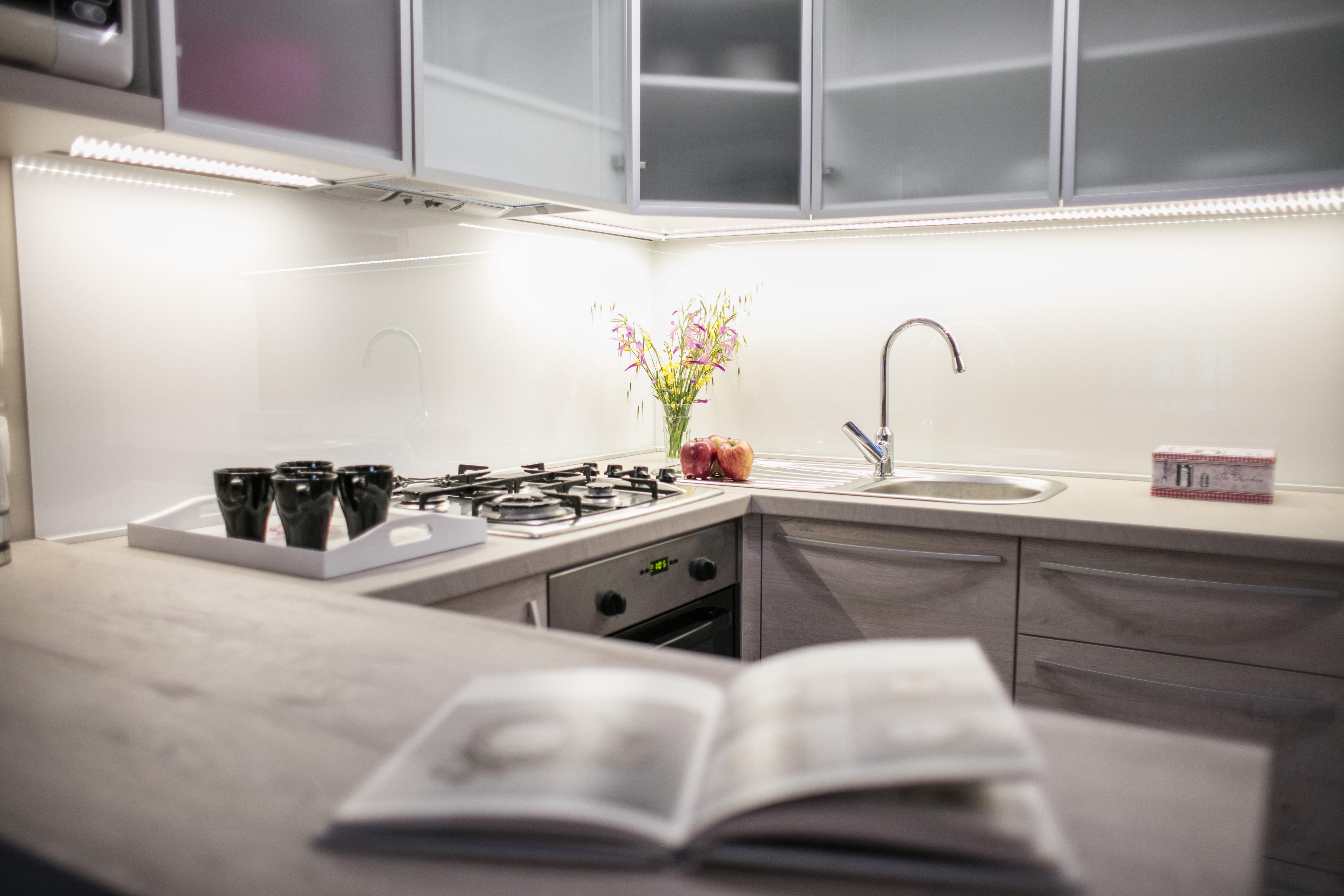 3_kuhinja_detalj1 r